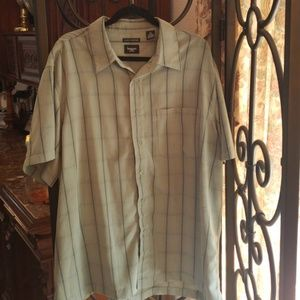 Other - Mens short sleeve button up